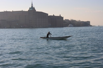 What to do in Venice - Venetian rowing